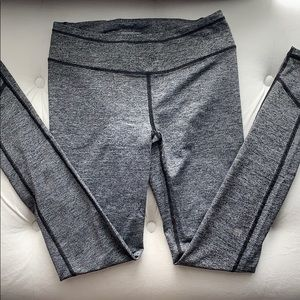 Victoria Secret workout leggings in salt grey.